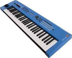 Yamaha MX61 II Blue - Perspektive