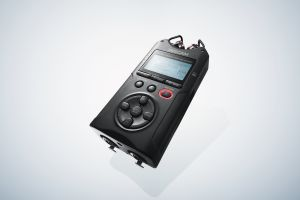 242374 Tascam DR-40X Tragbarer 4-Spur-Audiorecorder und USB-Interface - Perspektive