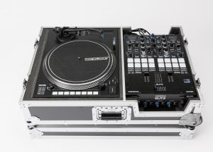 242638 Reloop Elite Scratch Set Reloop Elite + Reloop RP-8000 MK2 + Magma Scratch SuitCase Limited Edition - Perspektive