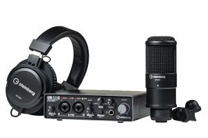 243467 Steinberg UR22C Recording Pack UR22C Interface with Headphones and Microphone - Perspektive