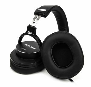 243536 Tascam TH-06 Kopfhörer mit Bass XL - Perspektive