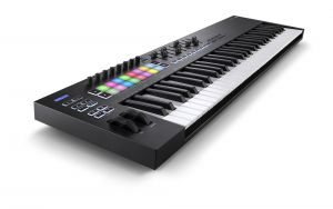 244338 Novation Launchkey 61 MK3 - Perspektive
