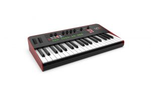 244917 IK Multimedia UNO Synth Pro - Perspektive