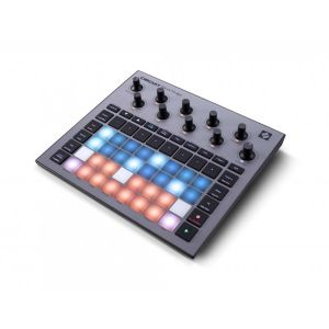 245162 Novation Circuit Rhythm - Perspektive