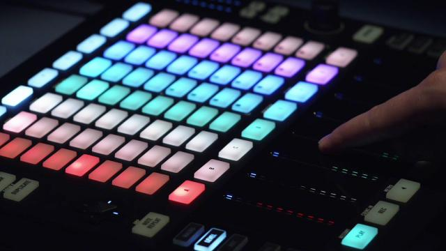 Introducing MASCHINE JAM | Native Instruments