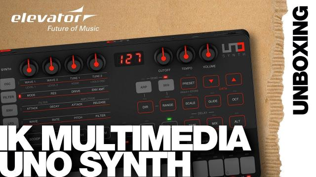 IK Multimedia UNO Synth - Synthesizer - Unboxing