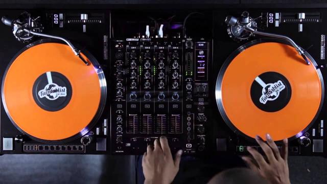Reloop RP-8000 Turntable & RMX-80 Digital DJ Mixer - Turntablism Showcase by DJ Angelo (Routine)
