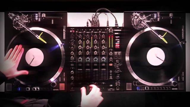 Reloop RP-8000 Turntable & RMX-60 Digital DJ Mixer - Turntablism Showcase by Fong Fong (Routine)