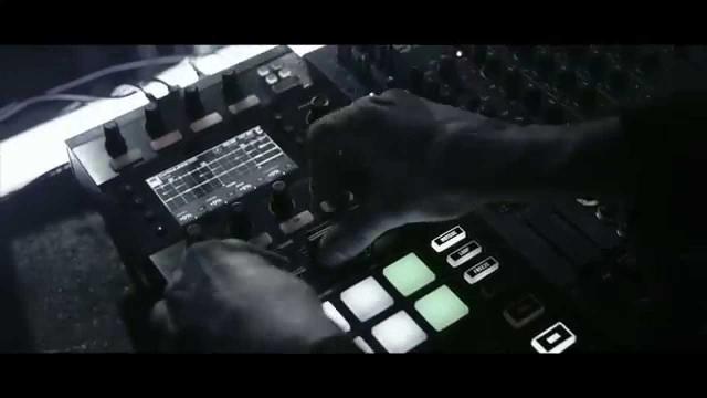 Announcing TRAKTOR KONTROL D2 - the pro performance deck | Native Instruments