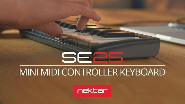 Nektar SE 25 mini MIDI controller keyboard