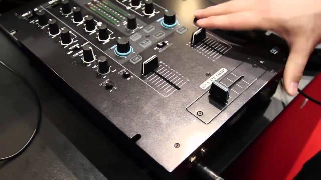Elevator @ Musikmesse 2015: Reloop RMX-22i & RMX-33i mit Sounddemo (deutsch)