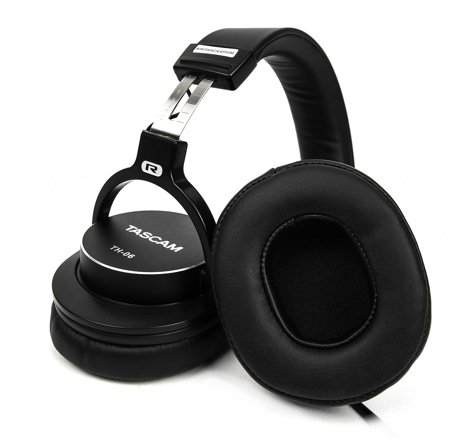 Tascam TH-06 Kopfhörer mit Bass XL 243536